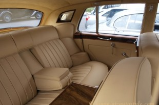 Bentley-S2-interior