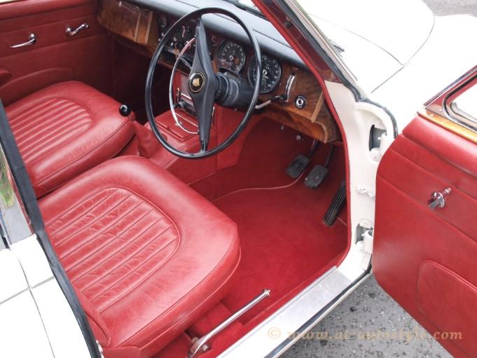 Jaguar Mk2 Interior AT Autostyle