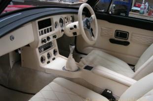 MGB-GT-interior