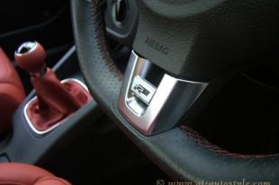 VW Golf Mk 5 interior-13