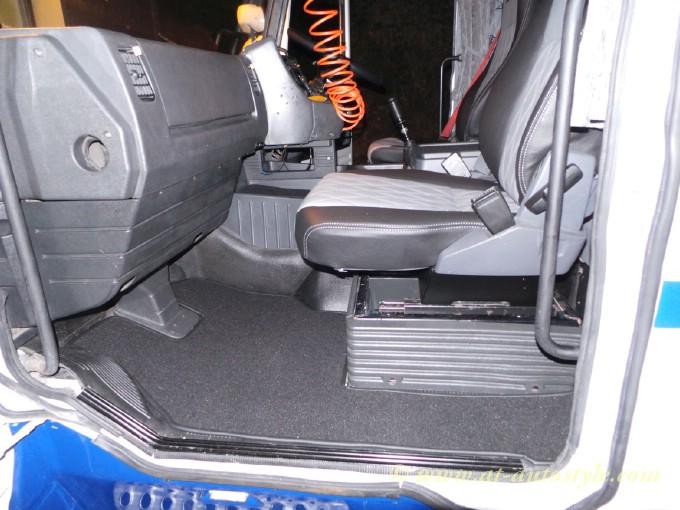 Floor Mats For Car >> Scania 143 interior | A&T Autostyle
