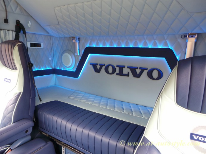 Volvo FH-12 custom design leather interior | A&T Autostyle